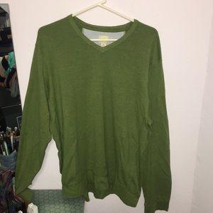 Like new men's Bass green long sleeve t-shirt